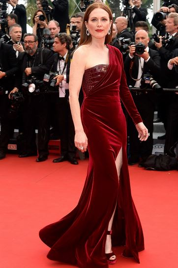 Julianne Moore in Givency