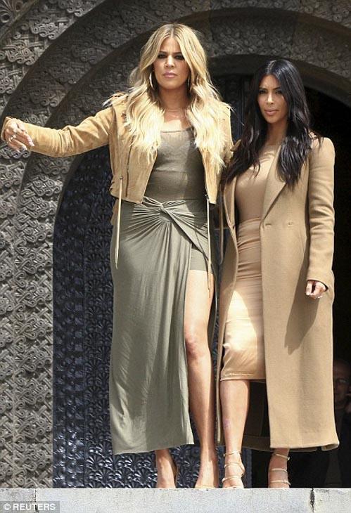 Kim-Kanye-North-Khloe-15