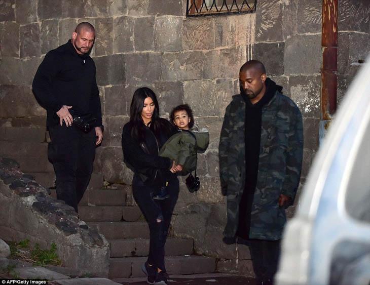 Kim-Kanye-North-Khloe-9