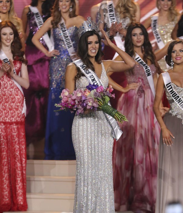 Miss Universe -4-red