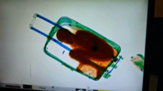 Morrocco - Boy-in-Suitcase-3