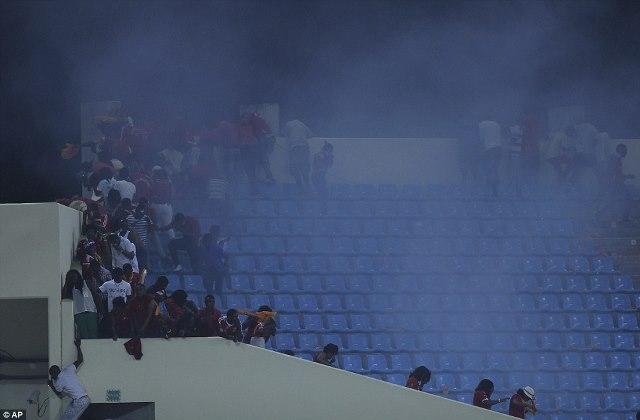 Police-deploy-teargas