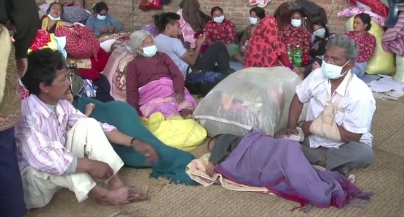 Survivors-gather-in-Kathmandu-Nepal-following-a-massive-earthquake-late-last-week-Agence-France-Presse-800x430