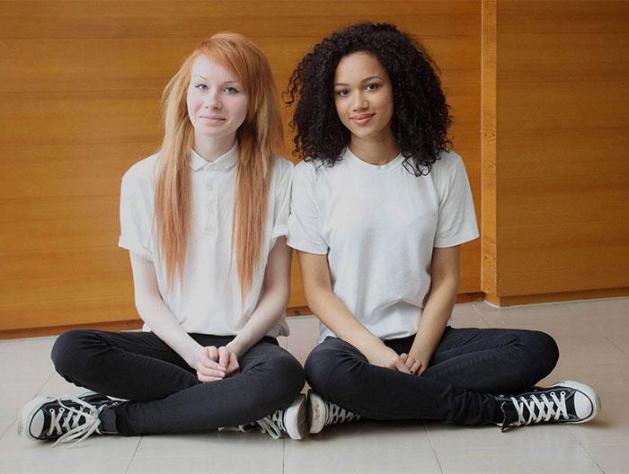 black-white-skin-twin-sisters-lucy-maria-aylmer-13
