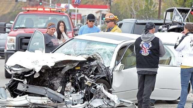 bruce-jenner-car-crash-scene
