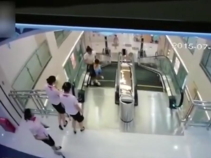 escalator-accident-01-800