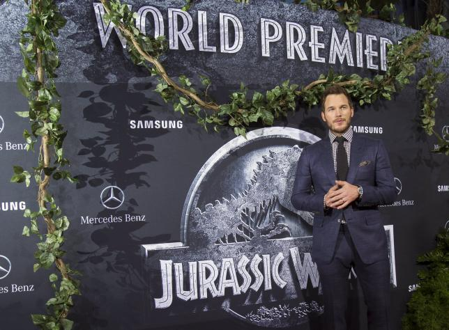 """Pratt poses at the premiere of """"Jurassic World"""" in Hollywood"""